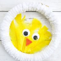 Easy DIY Dollar Store Baby Chick Wreath