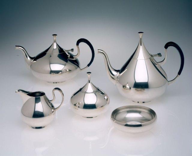 John Prip, Dimension, Tea and Coffee Service, 1961. Courtesy Museum of Art, Rhode Island School of Design, Erik Gould photograph, Craft in America