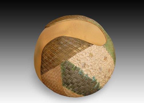 Ai Yamamoto, Retrospection, 2006. Terracotta, hand built and carved. Jeffery Truaz, Saborah Imaging
