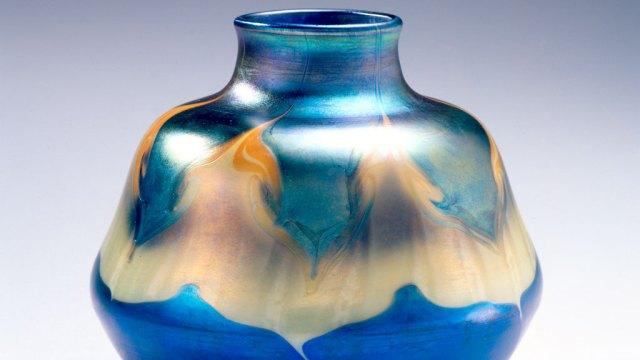 Louis Comfort Tiffany, Vase, 1901-1905. Courtesy of the Newark Museum
