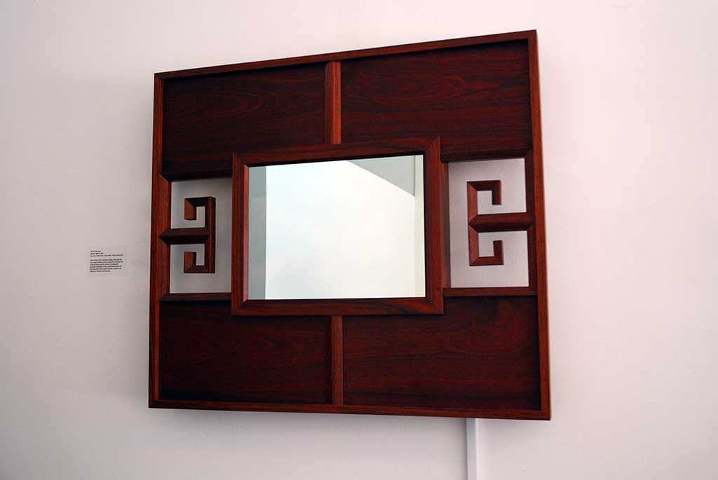 Wendy Maruyama, Mirror Mirror, 2007. Pau Ferro, bloodwood, 2-way mirror, video components