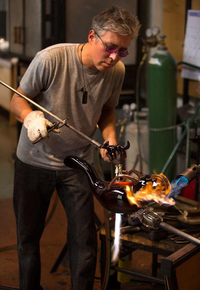 Preston Singletary working in his studio. Russell Johnson photograph