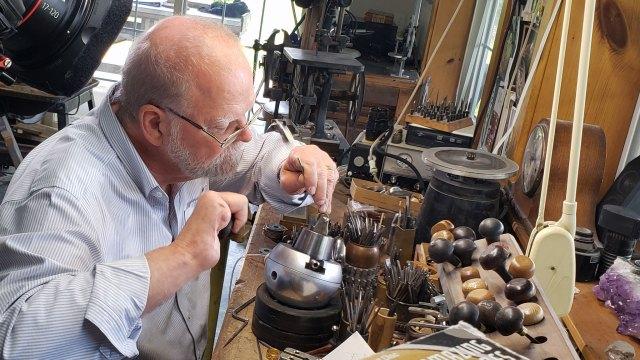 Tom Herman. Denise Kang photo. JEWELRY episode of Craft in America