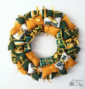 DIY Sports Team Pillow Wreath