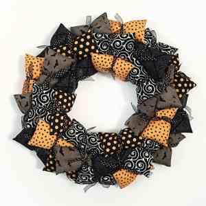 DIY Halloween Pillow Wreath