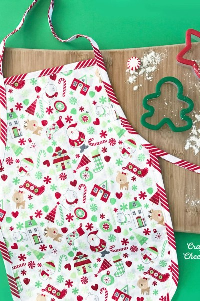 DIY Children's Holiday Apron