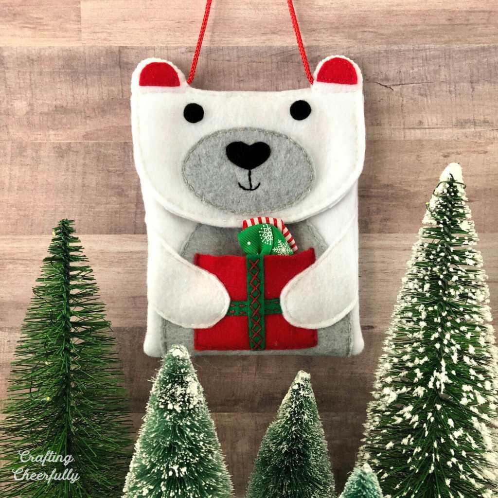 DIY Polar Bear Purse for the Holidays!