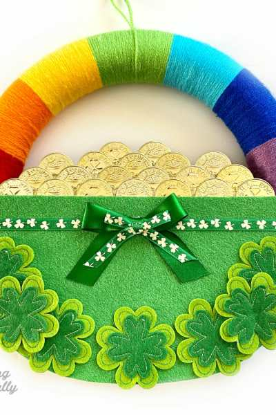 DIY St. Patrick's Day Rainbow Wreath
