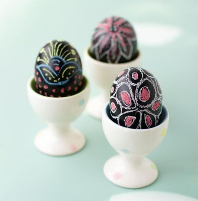 chalkboard easter eggs