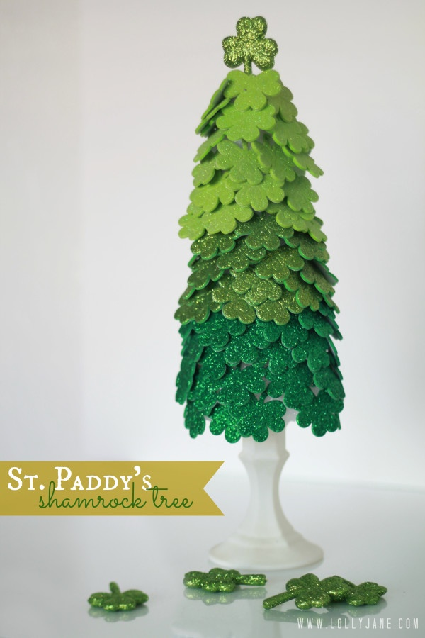Green Glitter Shamrock Hanging Ornament Happy St Patrick/'s Day Paper Rosette