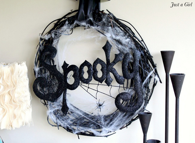 spooky wreath tutorial
