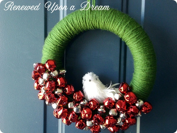 yarn holiday wreath