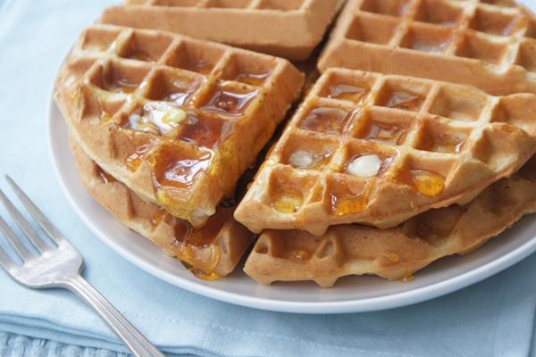 maple peanut butter waffles