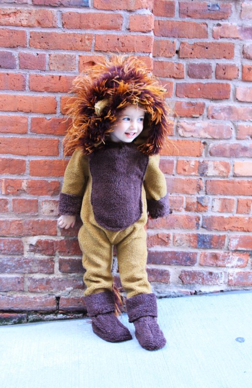 DIY lion baby costume