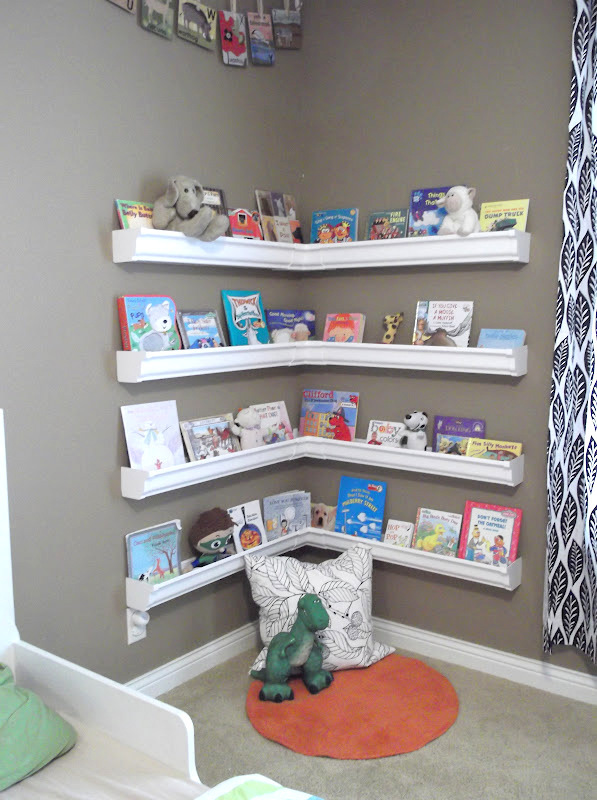 make-books-display-from-rain-gutters