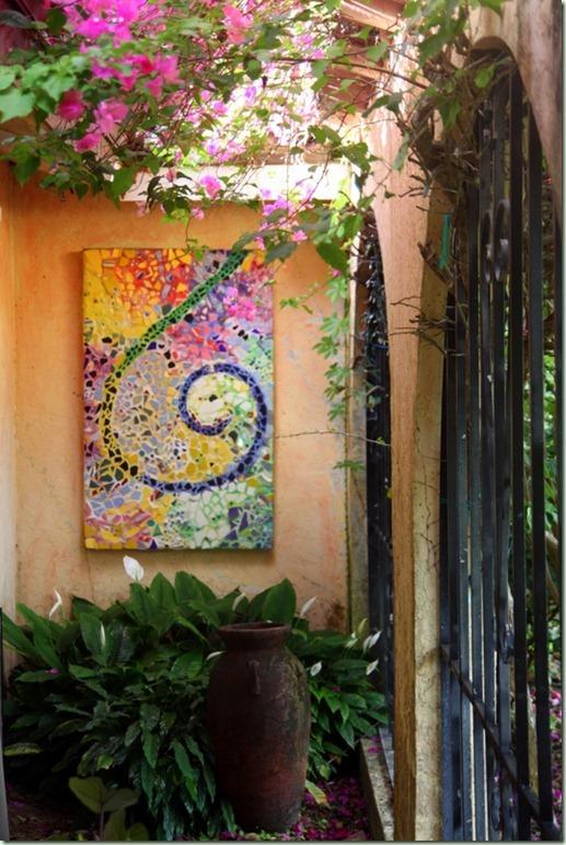 Outdoor-mosaic-wall-art-garden