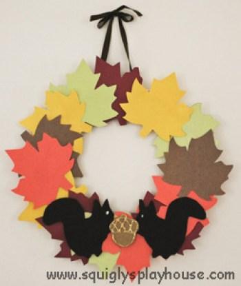 paper-squirrel-wreath-craft