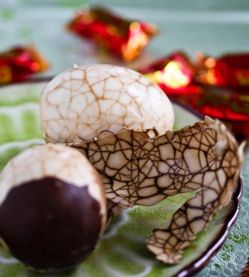marbled tea eggs dye