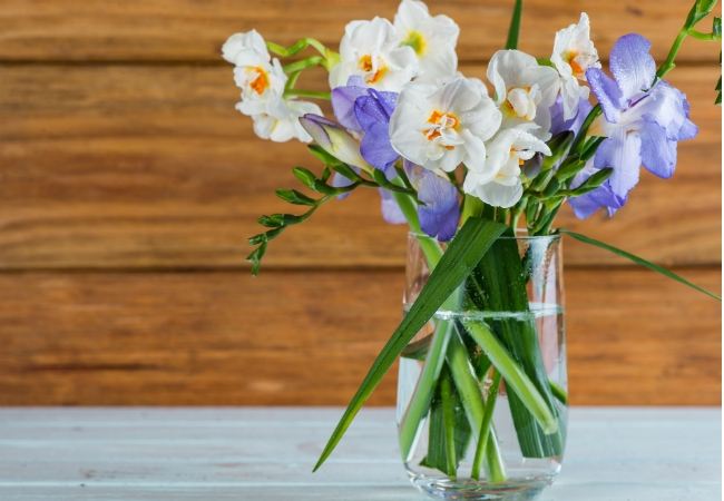 How To Make Fresh Flowers Last