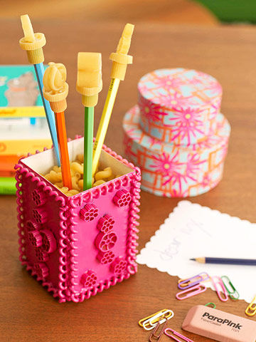 Pasta-stationery-holder