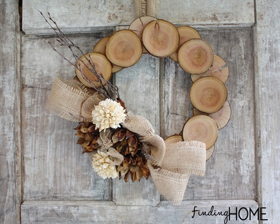 DIY-wooden-log-wreath