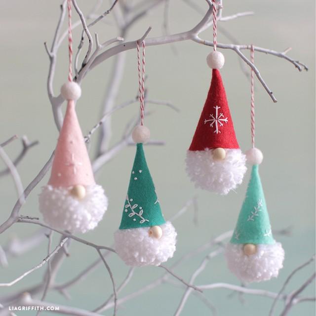 Pom-Pom-gnome-Ornaments
