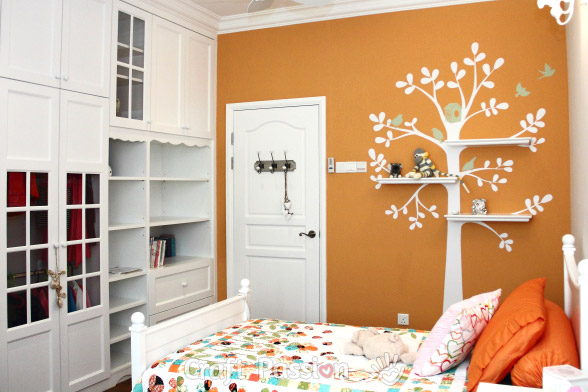 build-in white wardrobe girl's bedroom decoration ideas