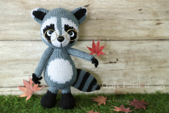 raccoon crochet pattern