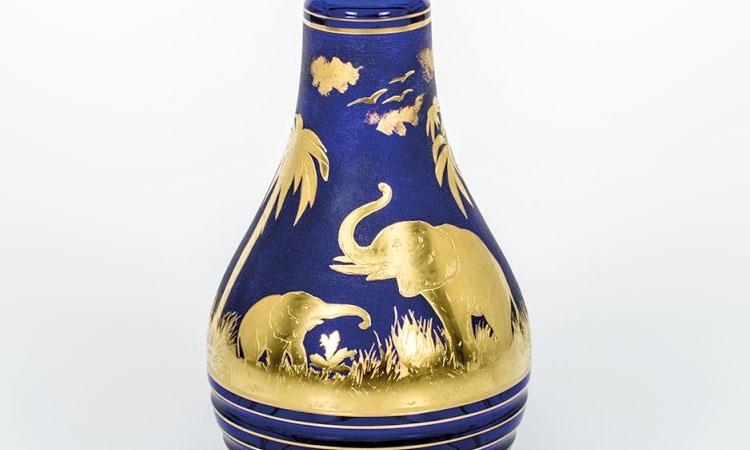 ボヘミアガラス モーゼル 花瓶 アニマル 3362 ( Bohemian Glass Moser Animor 3362, Hand Cut Vase With Sandblasted And Gilded Motifs )