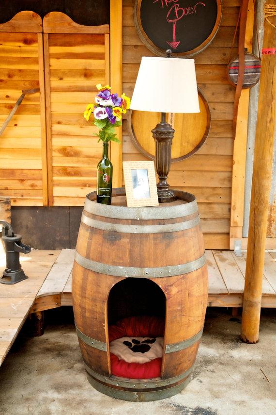 Whiskey_Barrel_Cat_House