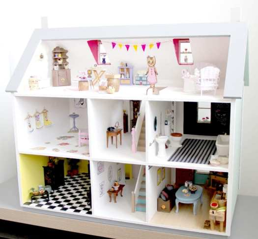 lady lucas dollshouse