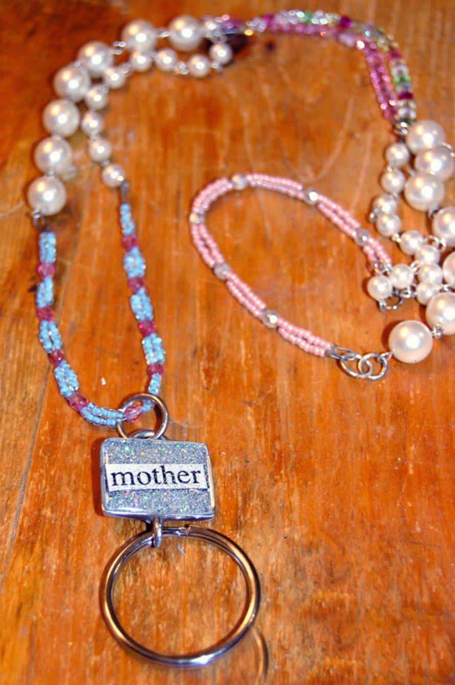 eyeglass-holder-necklace