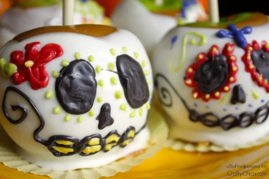 skull-caramel-apples