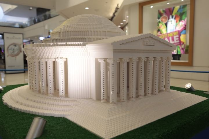 THE LEGO® AMERICANA ROADSHOW - If you are looking for something cool to do inside to beat the heat, I highly recommend heading to Northbrook Court. It's free & super fun for the kids!
