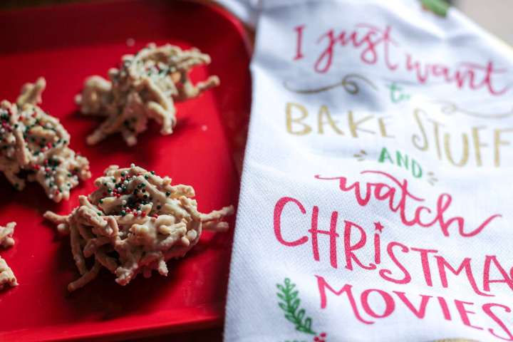 holiday christmas birds nest cookies