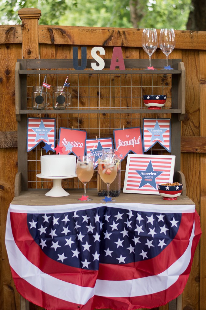 Create fun Patriotic theme crafts and DIYs with your kids.