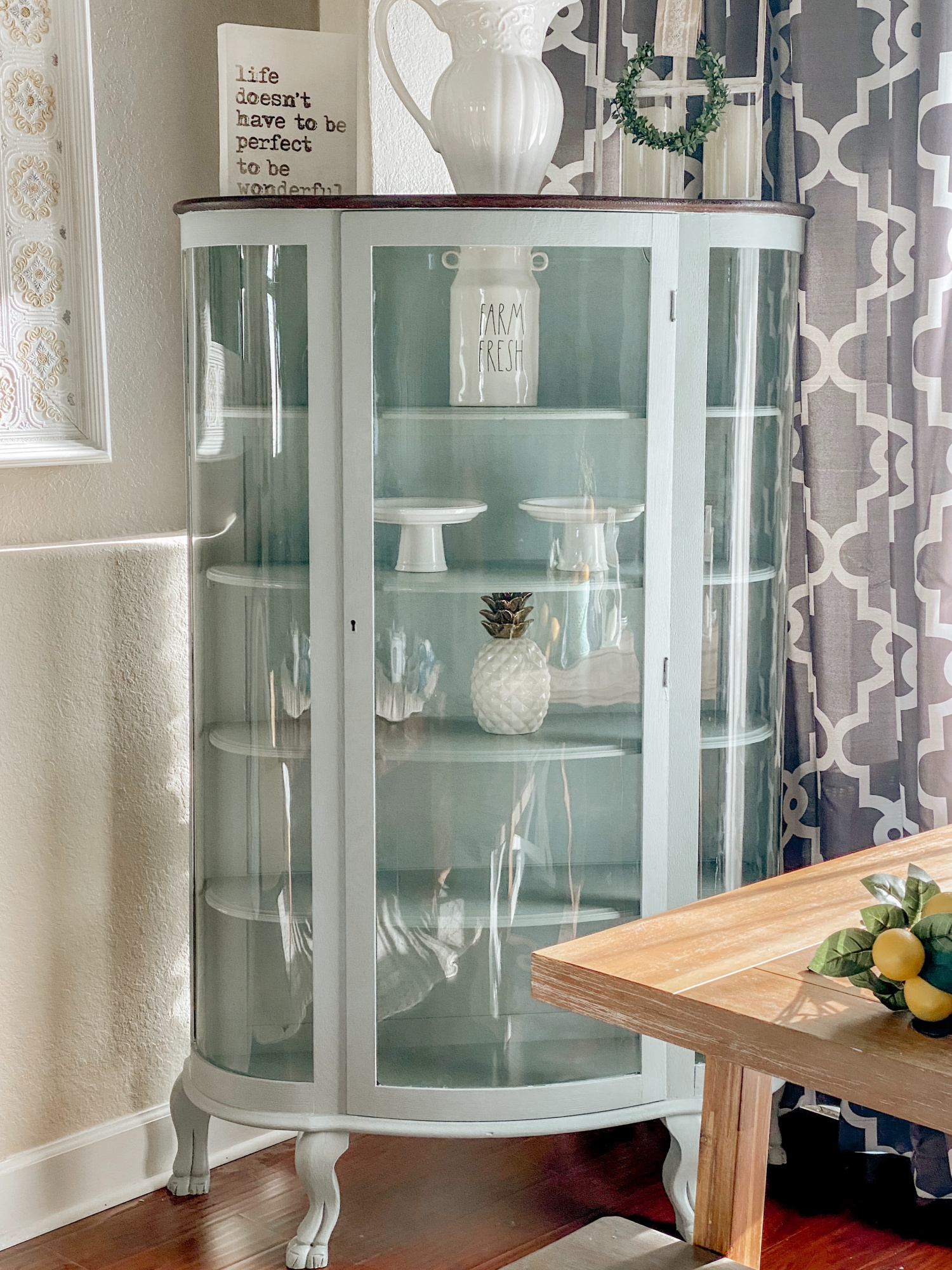 Painting your furniture. In this tutorial I share how I painted this hutch. DIY Curio Cabinet makeover #paintedhutch #curiocabinet #diyfurnituremakeover