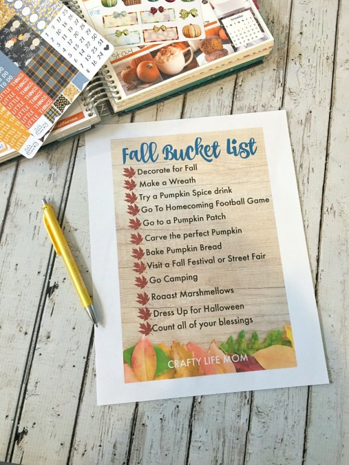 FREE Fall Bucket List checklist. Download this free bucket list and live life seasonally this Fall. I love Fall most of all and the thing we do when it is Fall