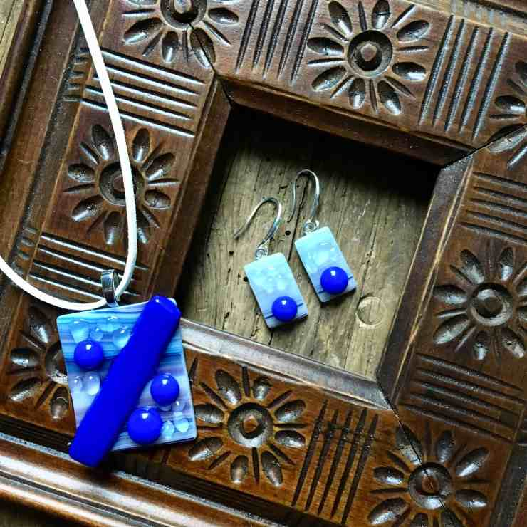 How to Make Fused Glass Jewelry