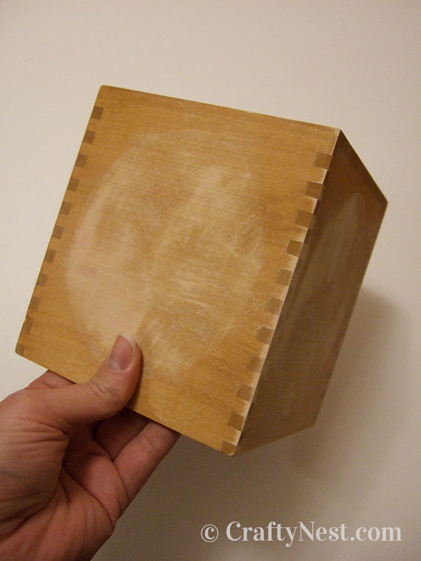 Sanded wood tissue box, photo