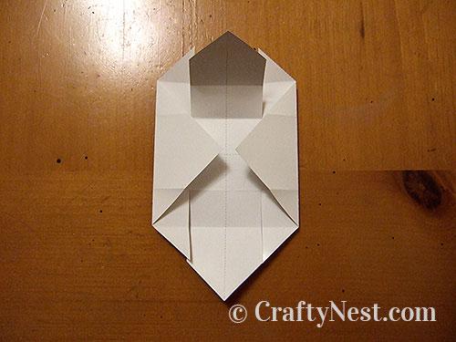 Folding a box, step 4, photo