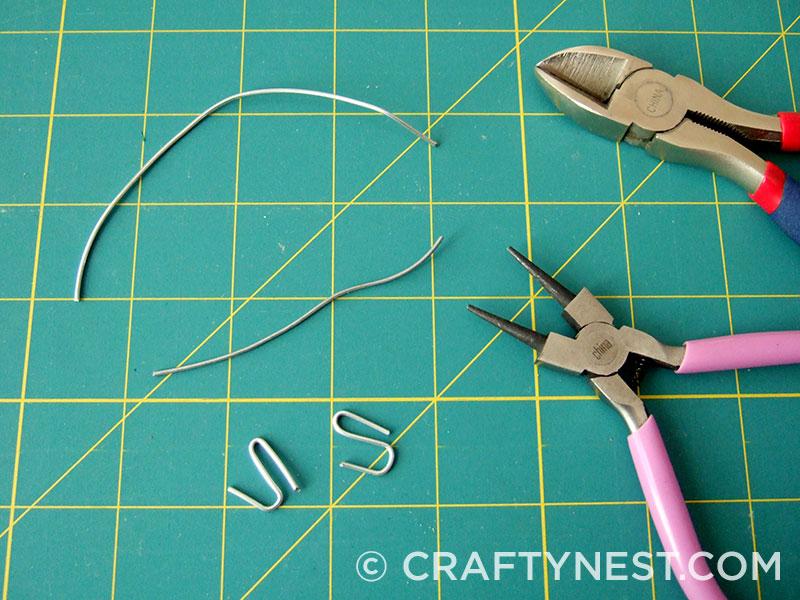 Make s-hooks, photo