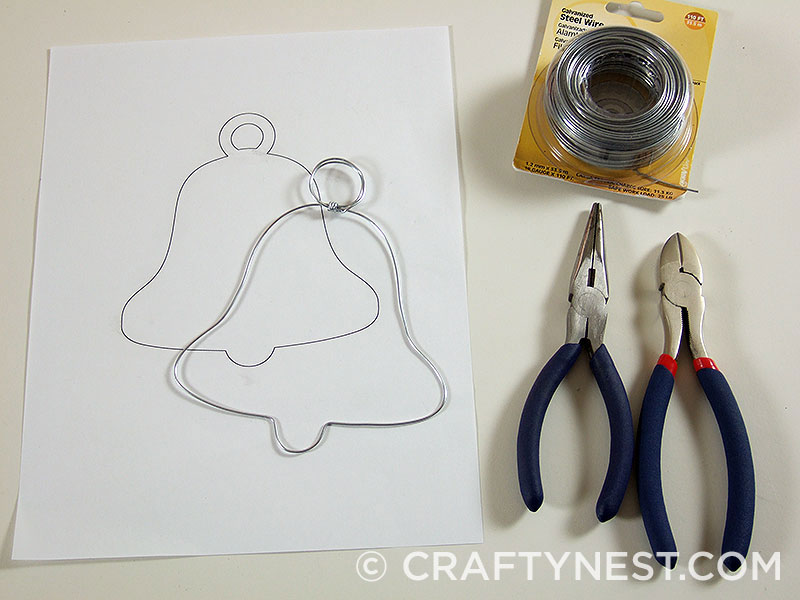 Shape the wire into a bell shape, photo