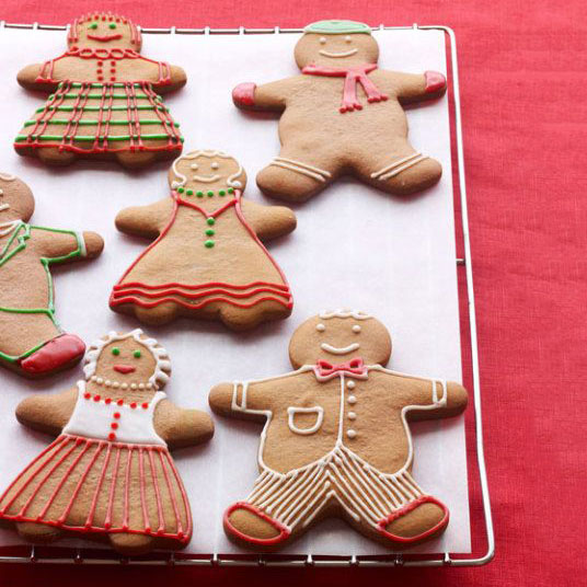 Gingerbread boy and girl, photo