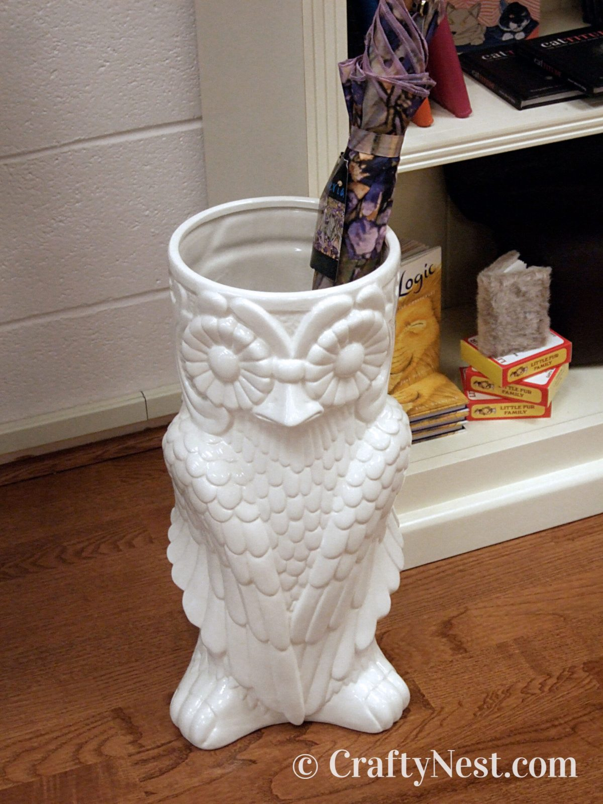 Ceramic owl umbrella stand, photo