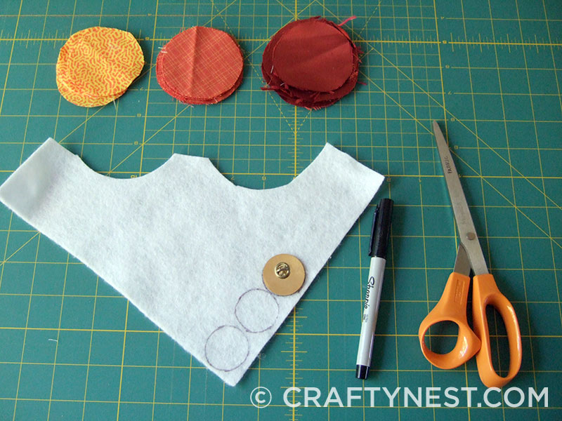 Trace and cut out felt circles, photo