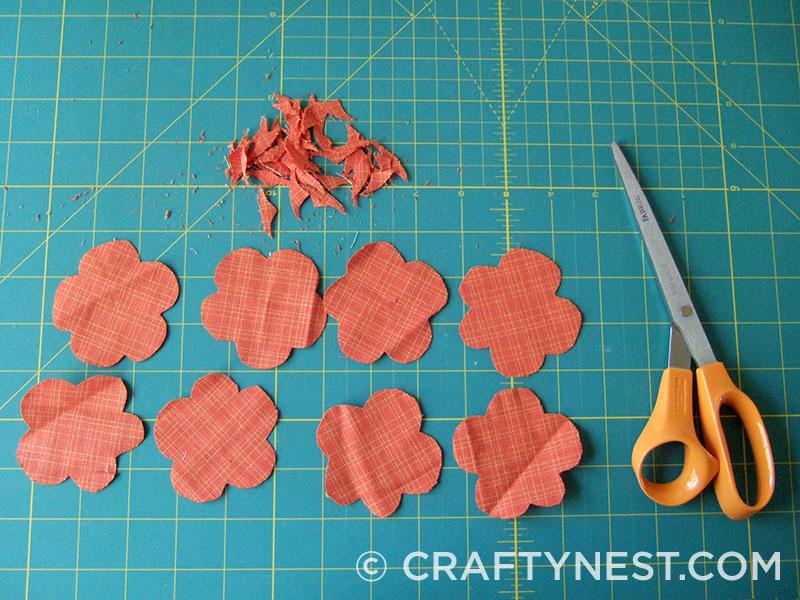 Cut scallops in fabric circles, photo