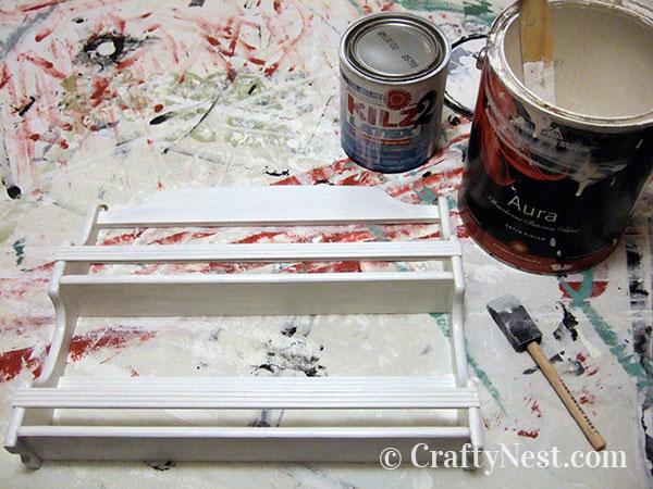 Paint the spice rack frame, photo