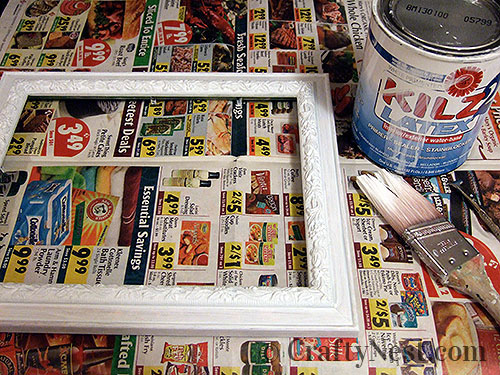 Priming the picture frame, photo