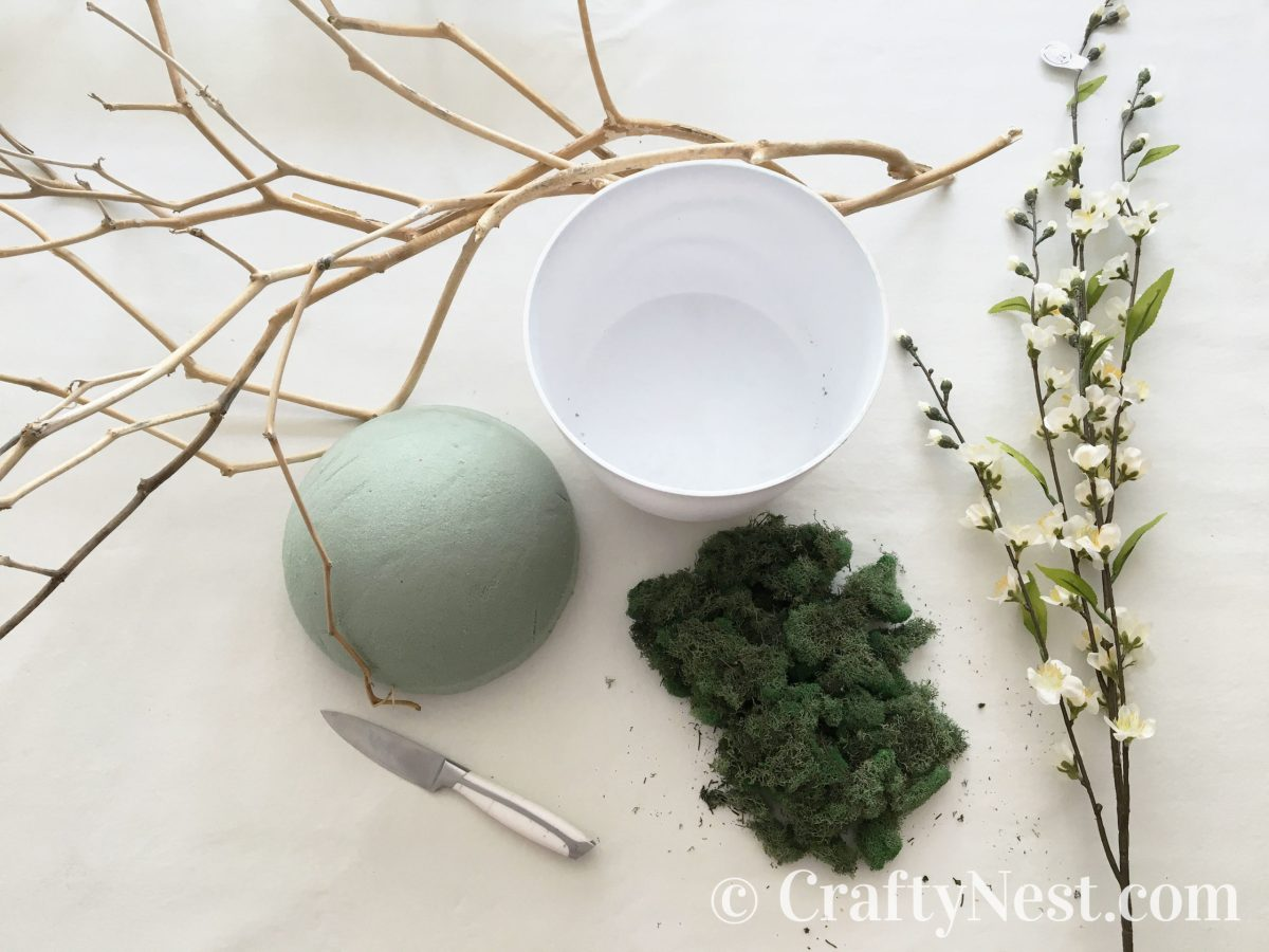 Supplies to make an Easter tree, photo